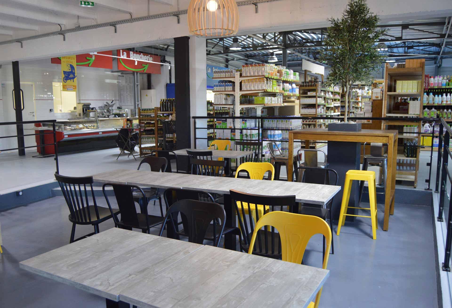 salle-intérieure-vide-restaurant-BON-nantes